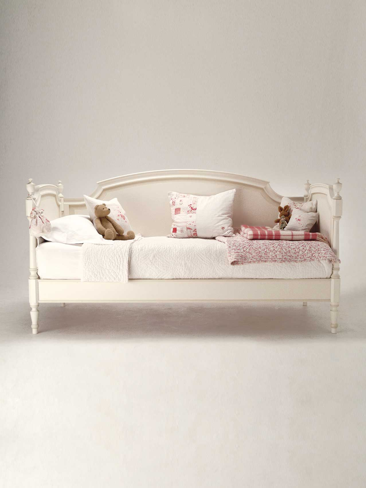 Children S Day Beds 104 504 Leporello