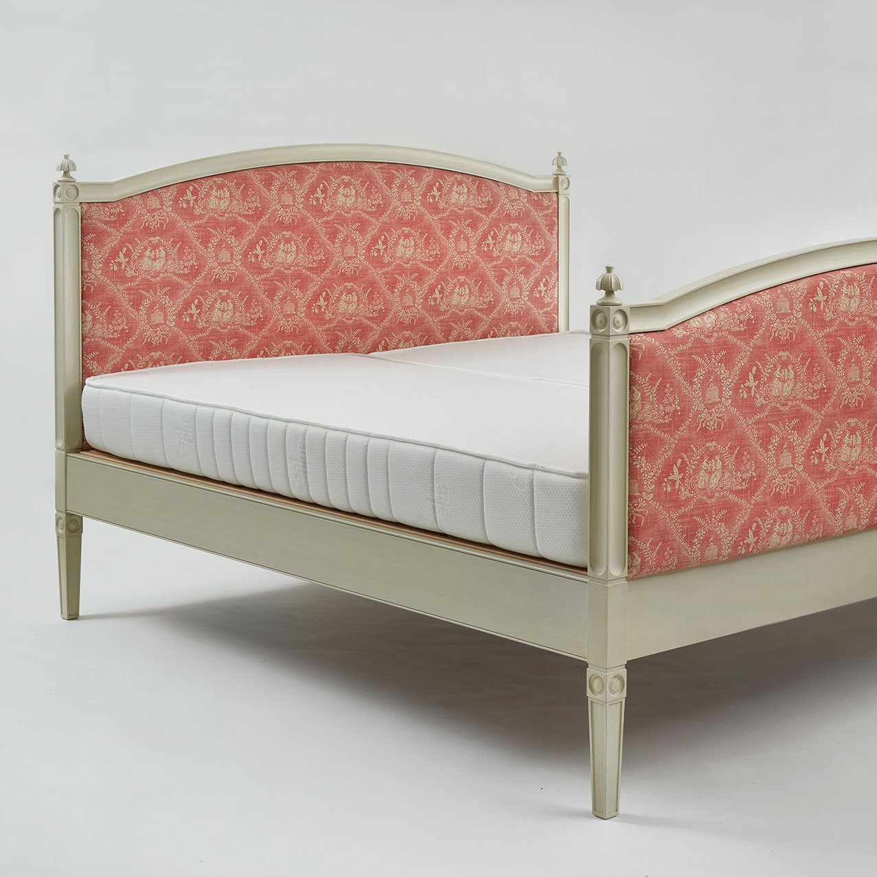 Bespoke Karelian Adjustable Bed